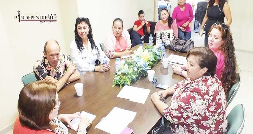 """Retrasan pago a 63 """"maestras sombra"""" en Los Cabos; ellas piden regulación"""