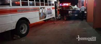 Mientras conducía muere chofer de transporte público al sufrir infarto