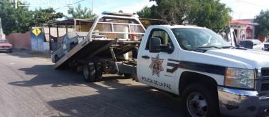"""Policía municipal aplica operativo """"Deschatarriza tu colonia"""""""