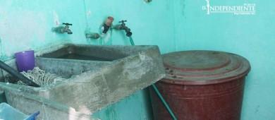 En Puerto Nuevo siguen batallando por no tener agua de manera regular