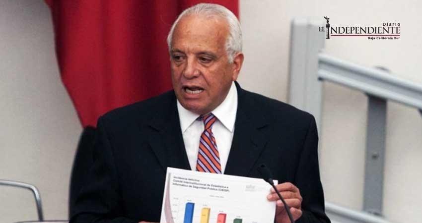 Meade ya tiene nuevo asesor político rumbo a elecciones