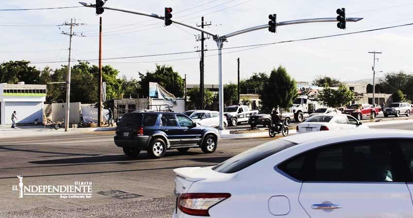 Ponen en marcha modernización de semáforos en La Paz