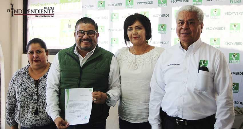 Buscará regidor César Juárez una diputación con el PVEM