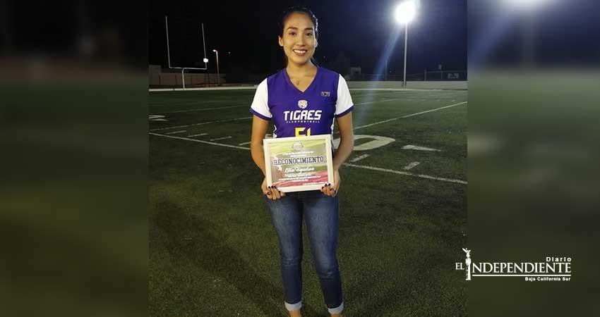 Campeona Tigres Lilia Gissel Figueroa en Tochito Bandera