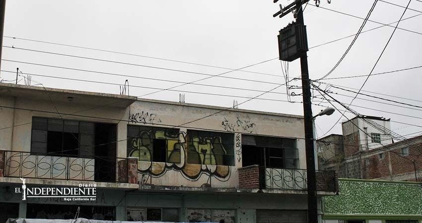 Crece el número de edificios abandonados en el centro de La Paz