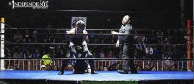 Buena función de lucha libre en la Arena California