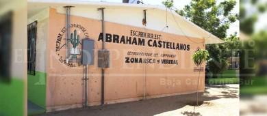 Padres de la Abraham Castellanos exigen a ISIFE culminen trabajos o tomarán la escuela