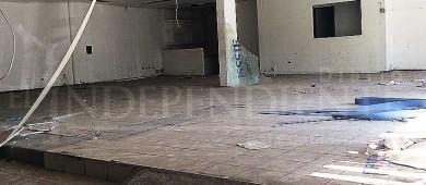 En total abandono ex tienda del Issste del centro de La Paz