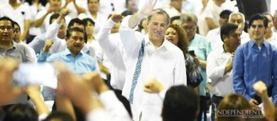 Meade promete aumento a sueldo y prestaciones de maestros