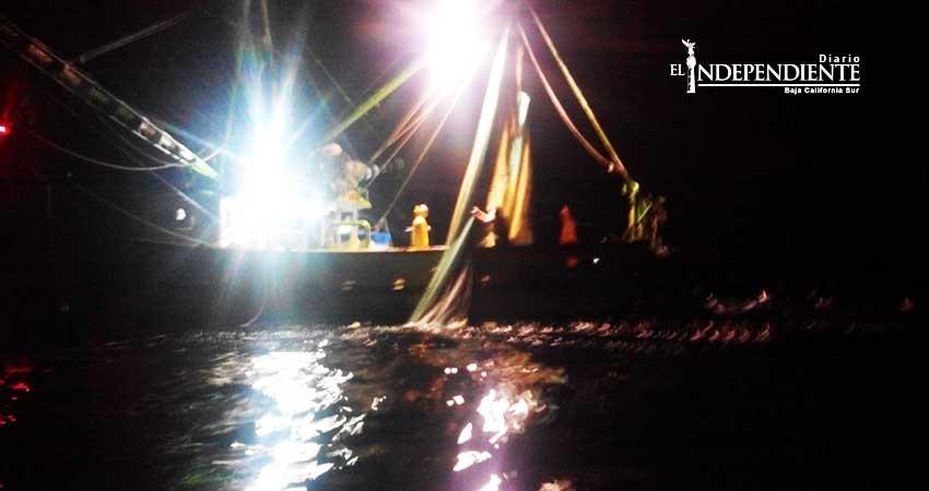 Asegura PROFEPA barco camaronero; pescaba sin autorización en reserva de la biosfera islas de pacífico