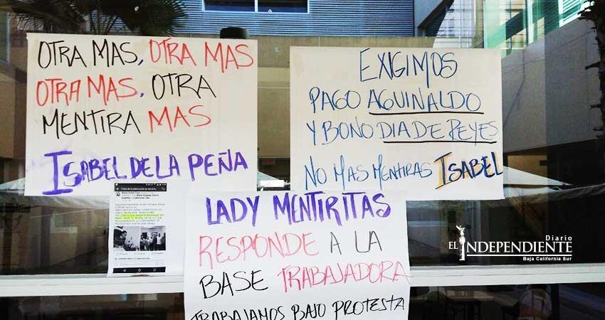 Por no pagar bonos, denuncian trabajadores del Salvatierra a su líder Isabel De la Peña