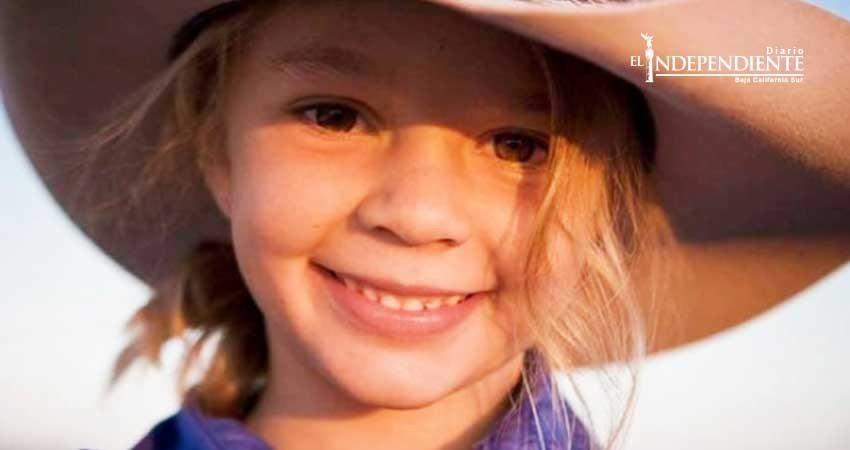 Tras suicidio de una joven, padre invita a bullies al funeral