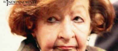 Amparo Dávila celebra 90 años con pluma en mano