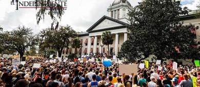 La solución de Donald Trump: propone armar a los profesores