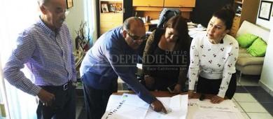 Autoridades educativas se reúnen para analizar necesidades de primaria en La Ballena