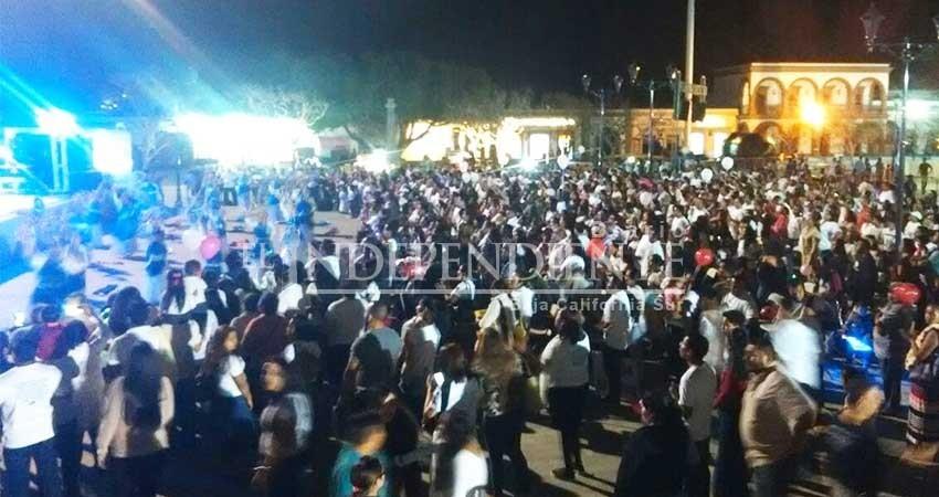 Decenas de cristianos marchan por la paz en San José del Cabo