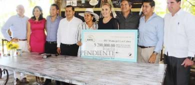 Recibe DIF Los Cabos 200 mil pesos de Sabor a Cabo Rural 2017