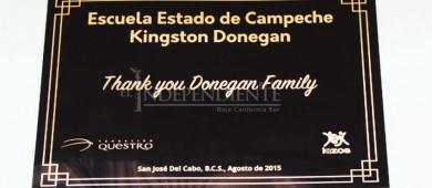 Escuela primaria Edo de Campeche agradece a familia norteamericana que hace donaciones