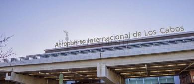 El alto número de vuelos que llegan a Los Cabos saturan las terminales aéreas