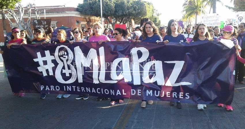 Cerca de 500 personas se dieron cita en la marcha del Día Internacional de la Mujer