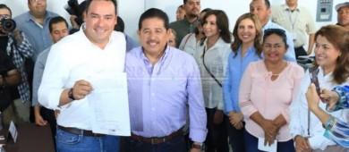 Sergio García presenta registro a candidato como diputado por el 7mo distrito