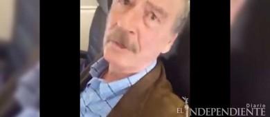 'Señor sin pensiones', encara mujer a Vicente Fox en un avión