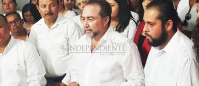 """""""Nos veremos las caras"""" le mandó decir Agundez Montaño a De la Rosa en su registro para diputado del XII distrito"""