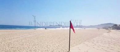 Por oleaje elevado, restringen acceso de bañistas en algunas playas durante el fin de semana