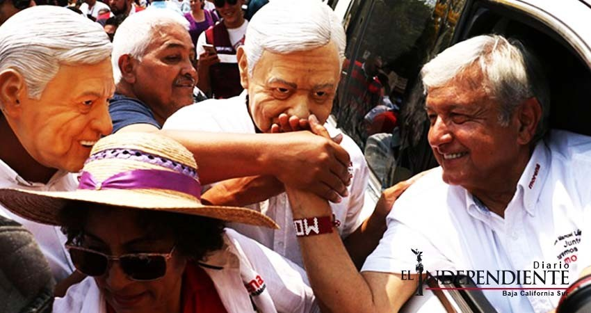 López Obrador celebra que candidatura de 'El Bronco' le dará más votos