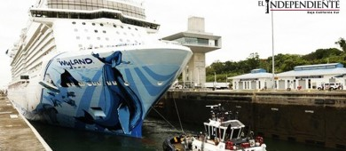 Megacrucero transita por el Canal de Panamá; marca un nuevo hito