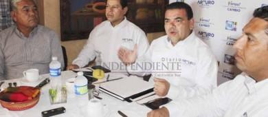 Llaman coordinadores de campaña de De la Rosa a denunciar uso de recursos públicos