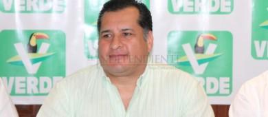 Refrenda Saúl González su compromiso hacia el sector policial y prevención del delito