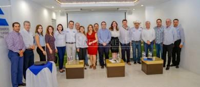 Se reúne Lupita Saldaña con Integrantes de CANACO La Paz
