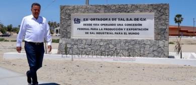 Candidato independiente al Senado visita a trabajadores de Guerrero Negro