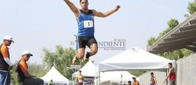 Consigue Ricardo Aguilar bronce en longitud