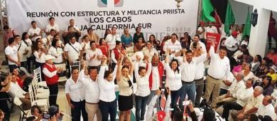 """""""La gente cree que estamos de rodillas, pero hay que salir afuera rumbo al triunfo"""": René Juárez"""