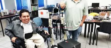 Estudiante del Tec La Paz crea prototipo inteligente de prótesis de rodilla