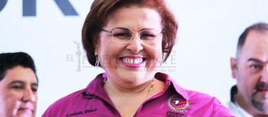 Falso que apoye a candidatos fuera del PRI: Esthela Ponce