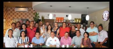 Con profesionistas de Los Cabos, no importados, el gabinete del Doctor Ibarra
