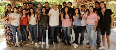 Jóvenes de comunidades, tienen mucho que reclamarnos: Pepe Hevia