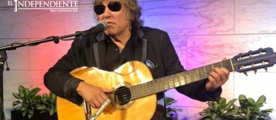 José Feliciano dona guitarra a Museo de Historia en EU