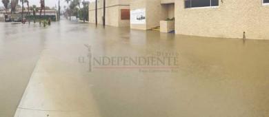 UMF 6 del IMSS opera tras inundarse; les ocurre en cada lluvia