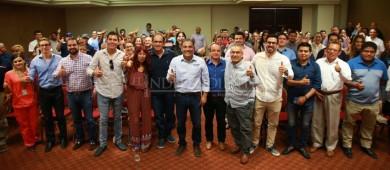 Médicos respaldan al candidato Arturo De la Rosa
