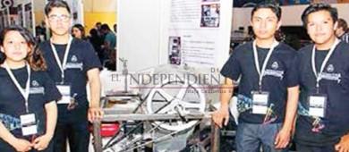 Estudiantes del IPN fabrican máquina recolectora de cosechas para campesinos