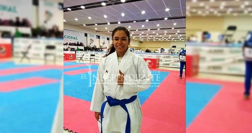 Logran karatecas 2 medallas de oro en nacional juvenil