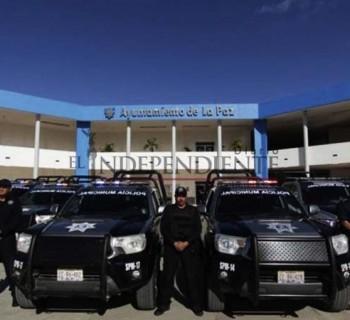 Compra Ayto de La Paz cámaras de video y gorras para policías, pero no las entrega