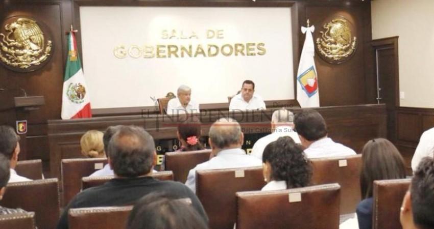 Se reúne el Gobernador Mendoza Davis con AMLO durante su visita a La Paz