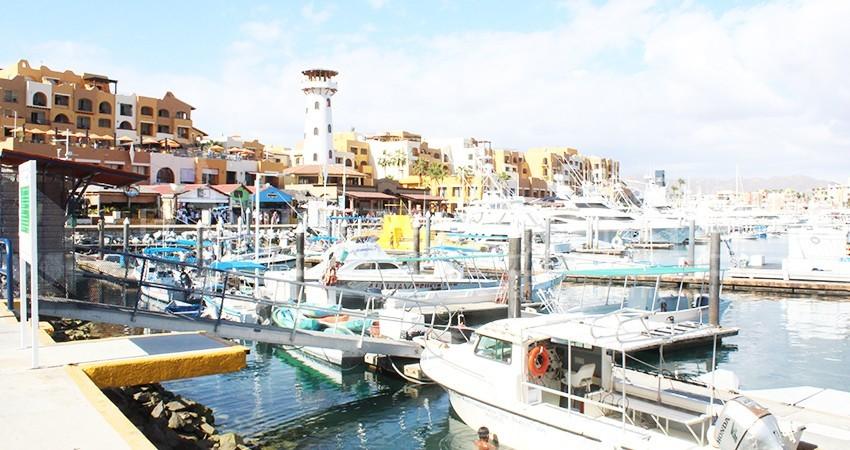 No mejoran condiciones climáticas; el puerto Sanluqueño se mantiene con restricciones