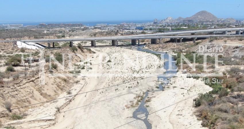 Grave contaminación de arroyo El Salto Seco en Cabo San Lucas