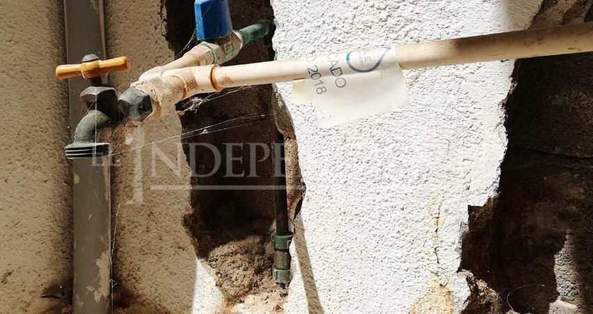 Pérdida de agua por fugas merma el abasto en tandeo de CSL